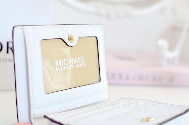The miniature handbag michael kors