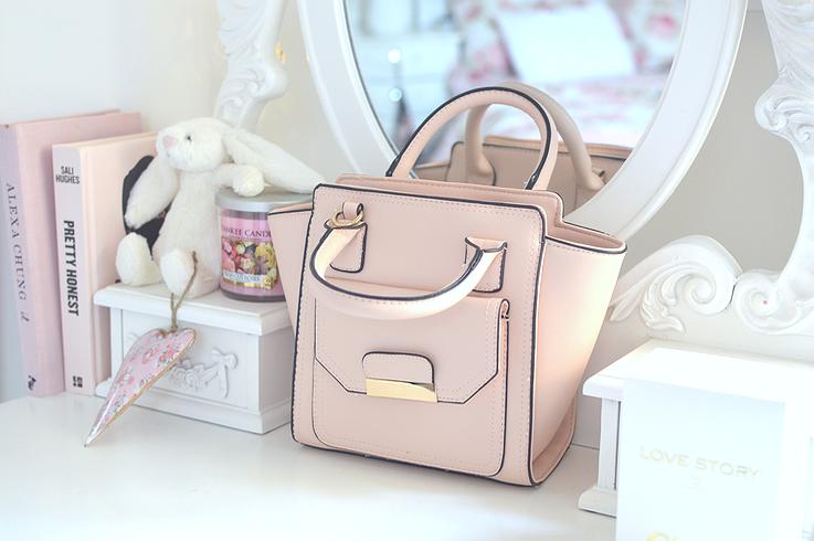 the miniature handbag